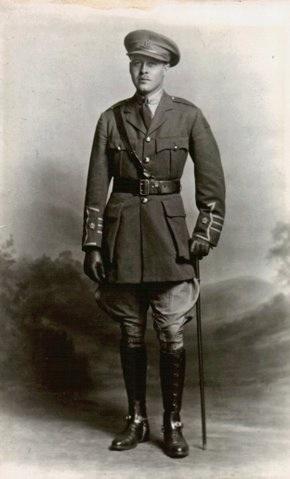 Alec as Major