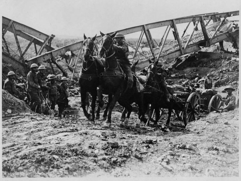 Battle_of_the_Canal_du_Nord_-_Horse_drawn_artillery_wagon