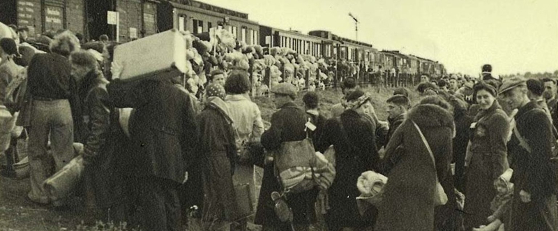 Westerbork_netherlands_jews_boarding_a_deportation_train_to_auschwitz.jpg__1536x636_q85_crop_subsampling-2_upscale