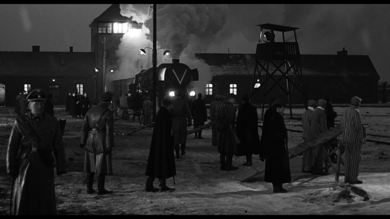 Schindlers-list-13-auschwitz-train-arrival