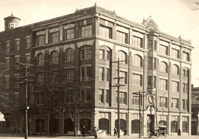 Image_of_215_building